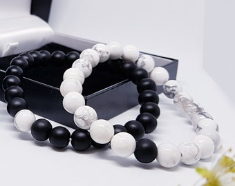 Tuogle London Distance Bracelets with Box and Card | Black Matte Agate & White Howlite | For Lovers, Friends and Family | Strong Elastic