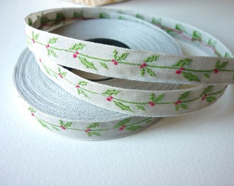Embroidered Ribbon leaf Holly 10 mm, hand embroidery, handmade Ribbon - by the yard