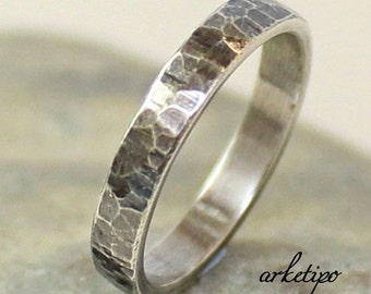 Personalized Sterling Silver Band.. Mens / Womens Wedding Band.. Custom Ring.. Hammered.. Oxidized.. Sterling silver Ring.. Band..