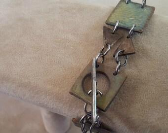 Bronze link bracelet with patina