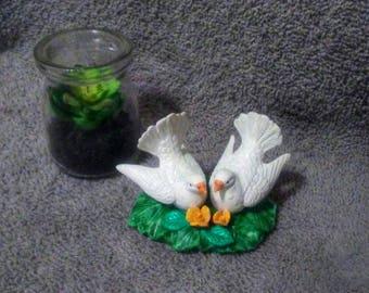 Vintage Ceramic Doves/ Dove Animal Totem/ Dove Statue