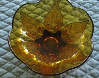 Amber Glass Bowl with Scalloped Edges