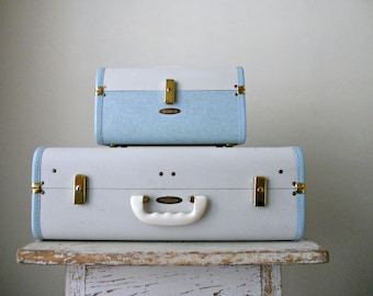 Reserved. Vintage Maximillian Luggage Set