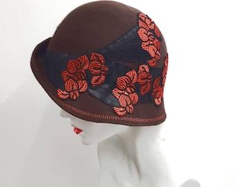 Brown black rust wool felt cloche hat with applique detail flapper vintage style average head size