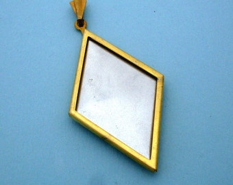 Pendant Setting Frame Mounting Gold Tone Diamond 111GT