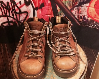 DR.MARTIANS,Air Wave England Leather,Distressed Men's 5 Boot ,Shoes