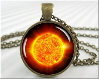 Sun Photo Necklace The Sun Pendant NASA Space Photo Pendant Resin Picture Charm Round Bronze Space Gift (498RB)