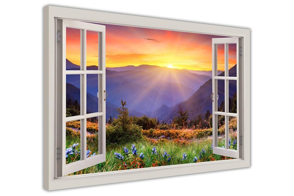 Sonnenaufgang über Berge durch einen Fenster-Bay-Effekt auf