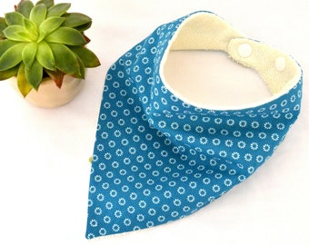Bib baby bandana bib small white flowers on teal background (0/6 months)