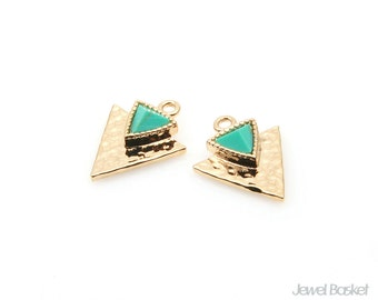 Turquoise Gemstone in Gold Triangle Pendant / turquoise / gemstone / 16k gold plated / triangle pendant / 11.5mm x 14.0mm / STQG095-P (2pcs)