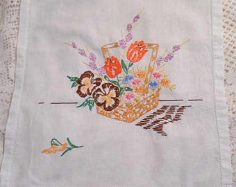 Vibrant TULIP & PANSY BOUQUET Table Runner Dresser Scarf, Embroidered Straw Basket Lavender Lilacs Pink Blue Flowers 13.5 x 38 Cottage 1930s