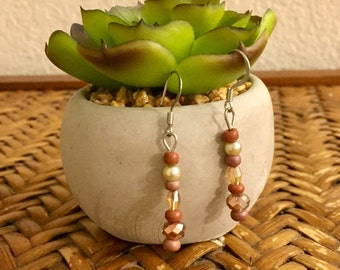 Beige shimmer dangle earrings