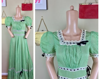 Vintage 30s 40s Sheer Green Ribbons Embroidered Swiss Dot Full Sweep Dress XS