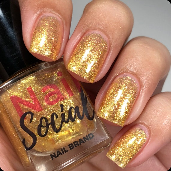 It\'s Party Time Gold Metallic Glitter Flake Nail Polish