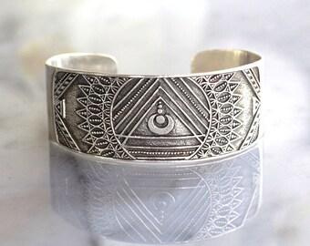Bohemian Jewelry, Cuff Bracelet in Solid 925 Sterling Silver, Mandala Jewelry, Boho Chic Jewelry, Gypsy Jewelry, Bohemian Art