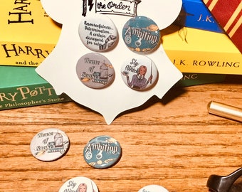 Cunning House Button Set