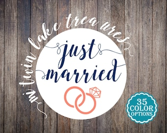 30+ Envelope Seals / Just Married Navy and Coral Custom Color Ring Stickers / Modern Adhesive Mailing Labels / Love Envelope Seals