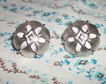 Vintage Trifari Silver Tone Clip On Earrings