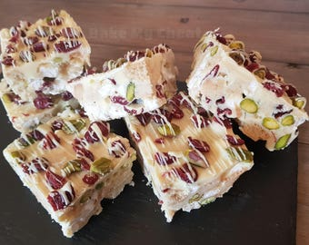 White Chocolate, Cranberry and Pistachio Rocky Road Traybake