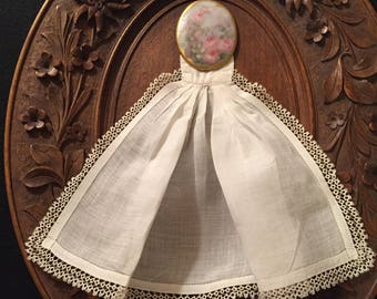 Linen And Lace Jabot.