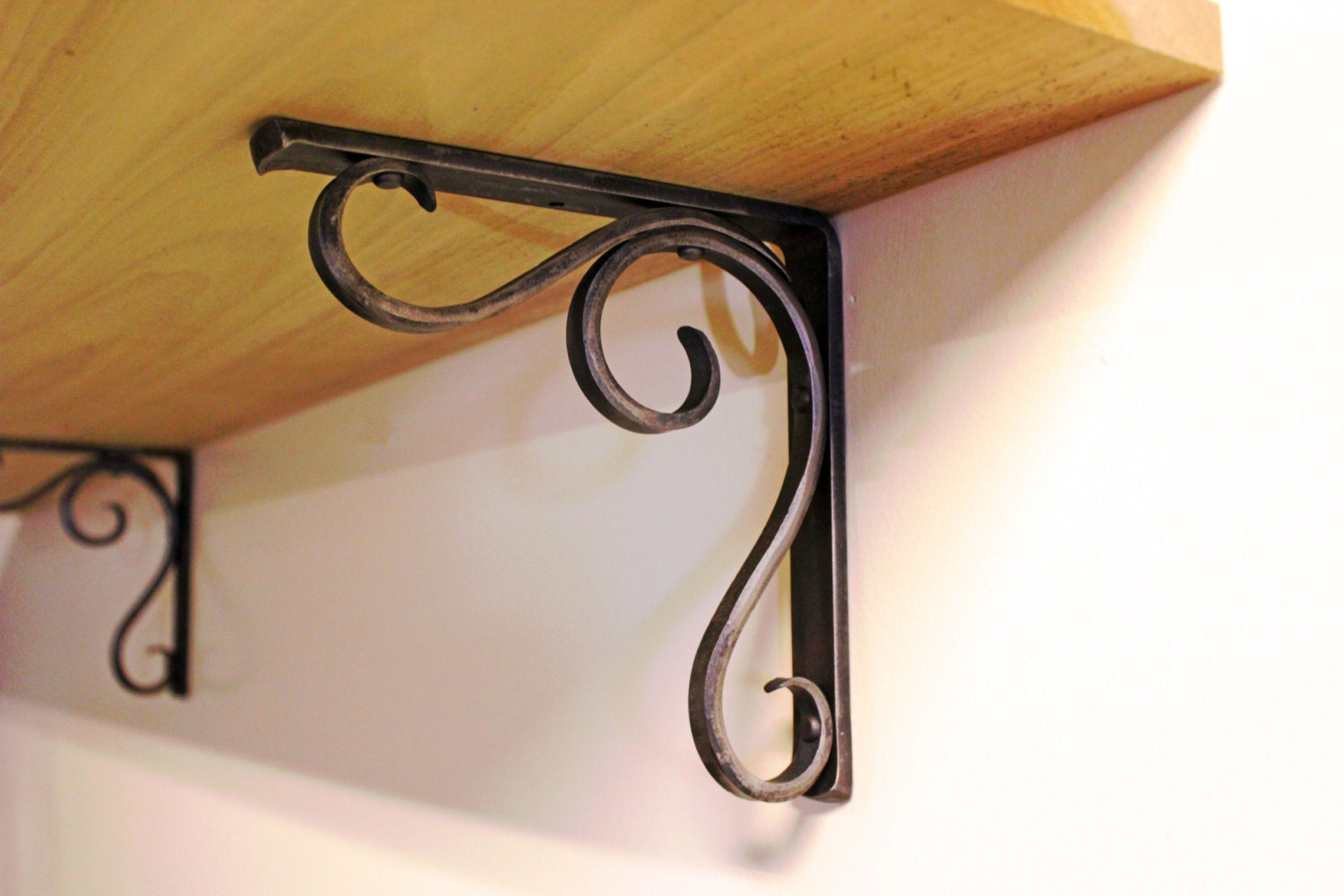 inuse shelf brackets products hangman slatwall bracket