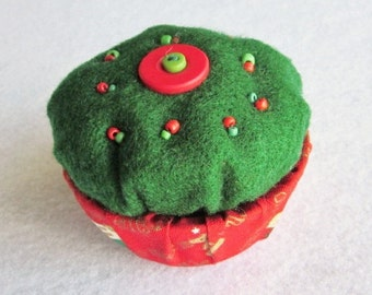 Christmas Trinket Box, Beaded Felt Box, Green and Red Trinket Box, Holiday Ring Box
