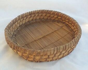 Woven Wicker Pie Basket