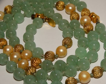 Vintage Les Bernard Glass  And Faux Pearl Beaded Necklace.