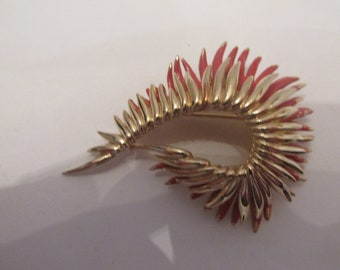 Stunning Boucher Signed Vintage Red Enamel Wheat Spray Brooch