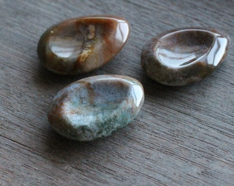 Moss Agate Worry Stone T135