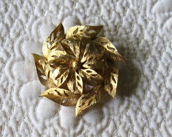 Vintage GERRY'S Gold Tone Swirling Leaves Shape Pin
