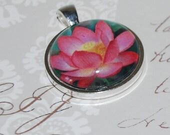 Pendant lotus pink
