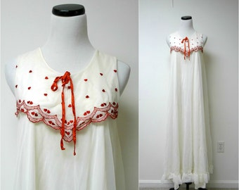 YOUNG AT HEART . vintage sheer off-white nightie . nightgown . fits a small to medium