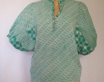 1980s cotton print blouse with oversized sleeves