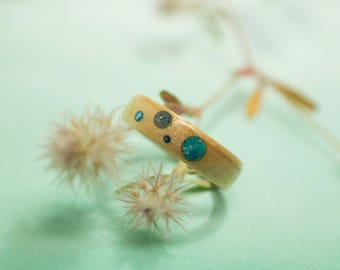 Maple Bentwood Ring with Turquoise, Glass, and Mother of Pearl Inlay
