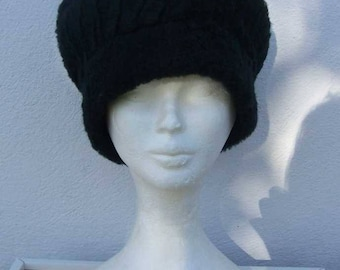 Black faux fur beret.