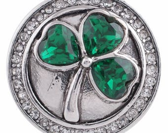 Emerald Green Shamrock snap, clover snap button fits 18-20 mm snap jewelry like Ginger Snaps and Magnolia & Vine. 20 mm horseshoe snap.