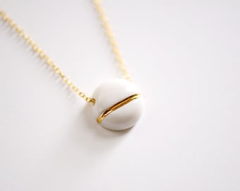 Small BB Round Circle Necklace (a) - Gold - Bridesmaids Gift,  wedding jewelry, Porcelain Jewelry - 22k Gold - 14k gold filled chain mint