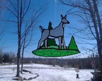 White-tailed deer med., stained glass suncatcher