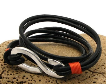 Infinity bracelet, Men's leather bracelet.Black leather wrap men's  bracelet. Hammered metal work infinity clasp.
