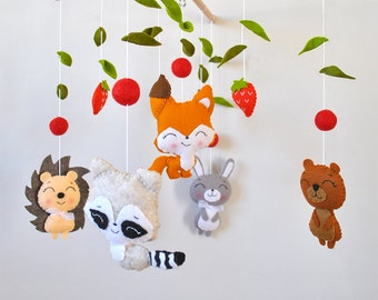 Baby mobile Woodland Nursery mobile Forest animals Crib Cot mobile Hanging mobile Fox Woodland baby shower gift felt mobile