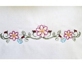 Daisy Ladybug Border - Machine Embroidery Design