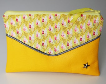 Yellow clutch, Lupin collection