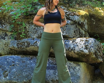 Yoga Cargo Pants-Women's pants-Cargo pants-Full length pants-wide leg pants-high waisted pants-fold over yoga pants-green cotton pants-pants