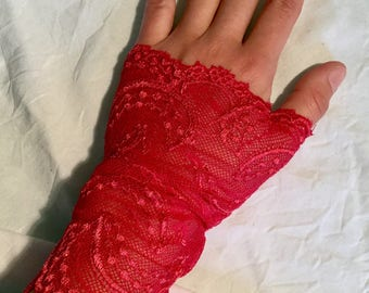 Red/Fuchsia lace fingerless gloves very comfortable