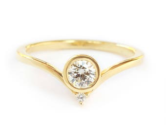 Bindi Unique Engagement Diamond Ring, Delicate Diamond Ring, Solitaire Diamond Ring, Gold Engagement Ring, Gift for Her