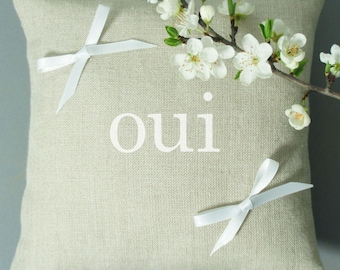 "Coussin d'alliances en lin naturel, inscription ""oui"" 