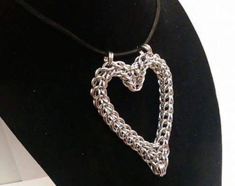 Chainmail Full Persian Heart Necklace Pendant
