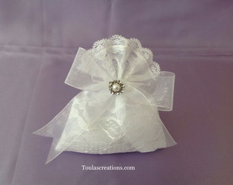 Greek Wedding Bomboniera/White lace Favor/Handmade Bombonieres/Rhinestone Favors/Jewelry Favor Bag/Almond Bombonier/Guest Gifts/