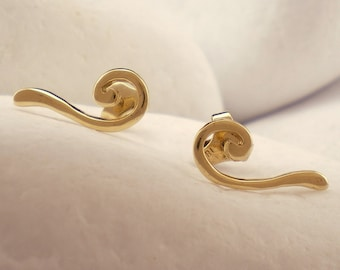 Solid 18K Gold Stud Earrings 'Wave' - FREE Shipping